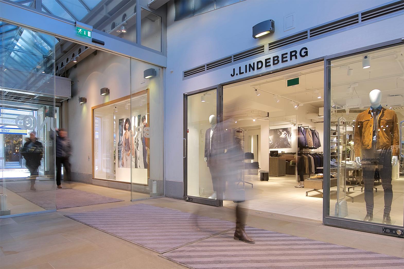 Fotografering av J Lindeberg i Brunogallerian för MGazzo Arkitektur