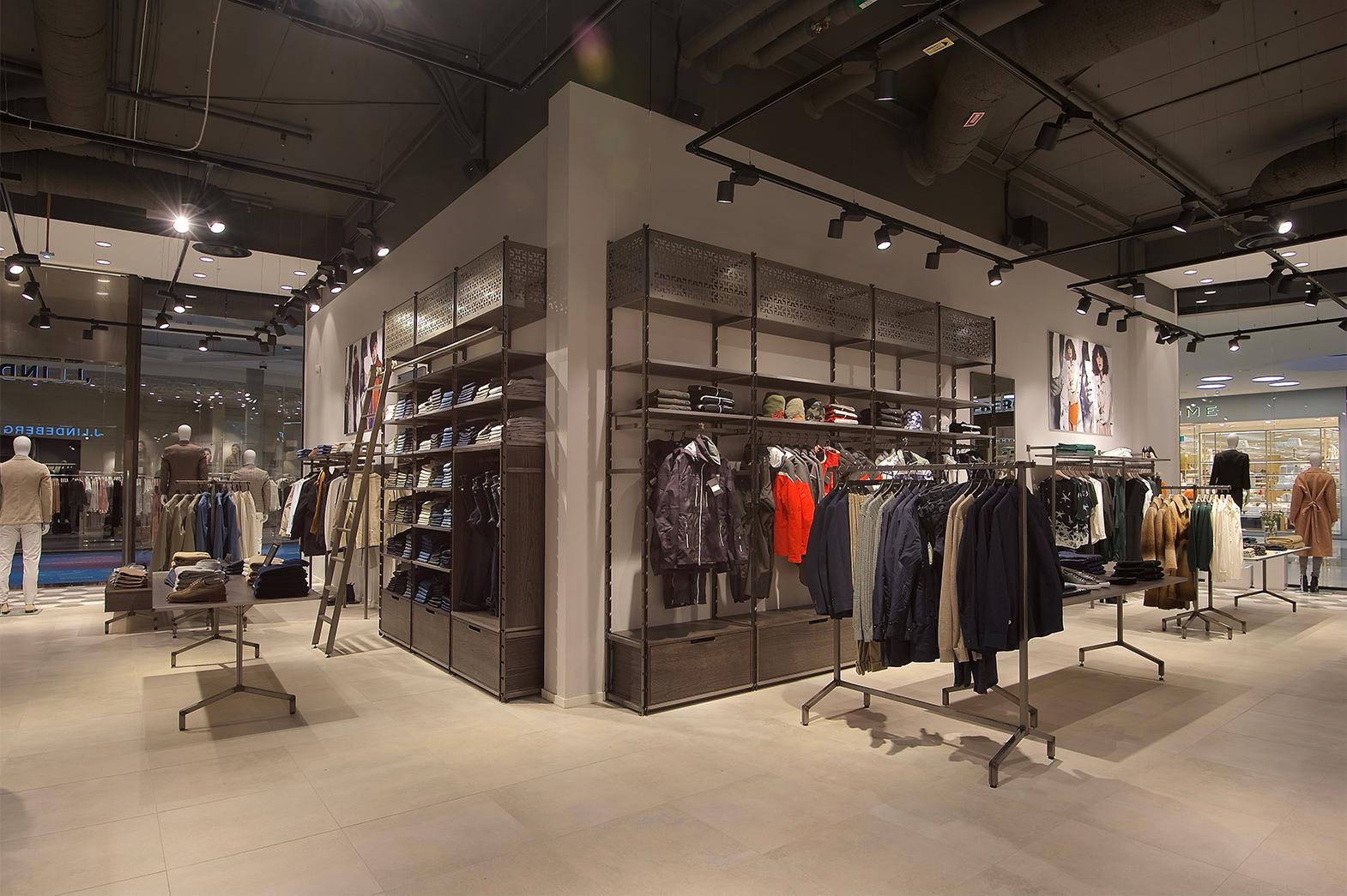 Fotografering av J Lindeberg i Mall of Scandinavia för MGazzo Arkitektur
